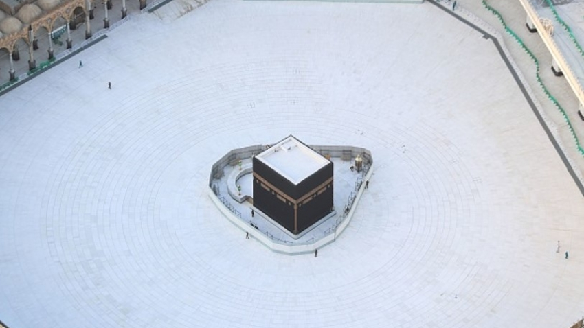 The Kaaba in Mecca - no worshippers due to coronavirus